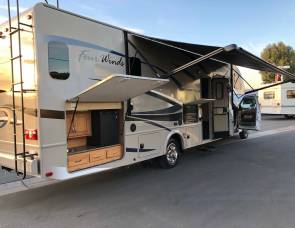 2015 Thor Fourwinds Super C Diesel