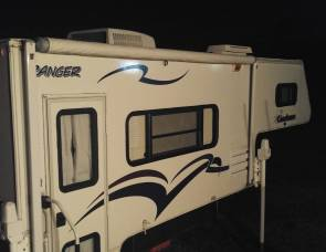 2006 Coachmen Truck camper