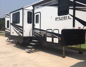 2018 Heartland Fuel, 5th wheel toyhauler