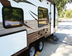 2016 Forest River Cherokee 17BH - Fully Stocked