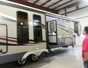 2014 Sandpiper by Forest River 360 pdek