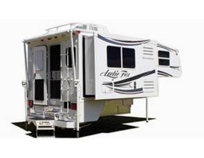 2007 arctic fox Slide in camper