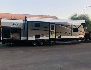 2018 Jayco JayFlight 33RBTS with private Bunk House 37'