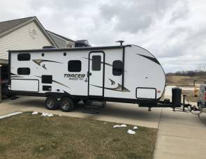 2018 Tracer Breeze 24dbs