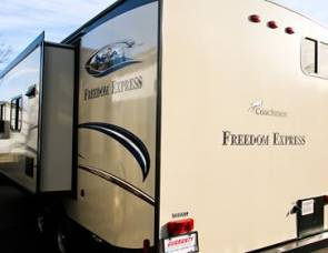 2015 Freedom Express Coachmen
