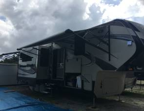 2015 Grand Design Momentum 380TH Fifth Wheel