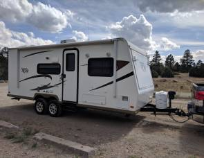 2012 Rockwood ROO Hybrid Sleeps 8