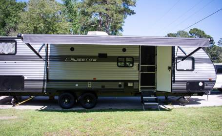 RV Rental Georgia: Deals from $65 Per Night! on lakefront homes in georgia, mobile homes dealers in georgia, homes for rent atlanta georgia, cottages in georgia, manufactured homes in georgia, townhouses in georgia, movies in georgia, hotels in georgia, custom homes in georgia, crime in georgia, home improvement in georgia, condominiums in georgia, neighborhoods in georgia, hud homes in georgia, events in georgia, find a home in georgia, foreclosed homes in georgia, townhomes for rent in georgia, business in georgia, real estate in georgia,