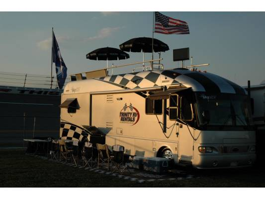 Airstream Skydeck 39' Talladega All Inclusive Rv Rental  Airstream Skydeck 39' Talladega All Inclusive RV Rental