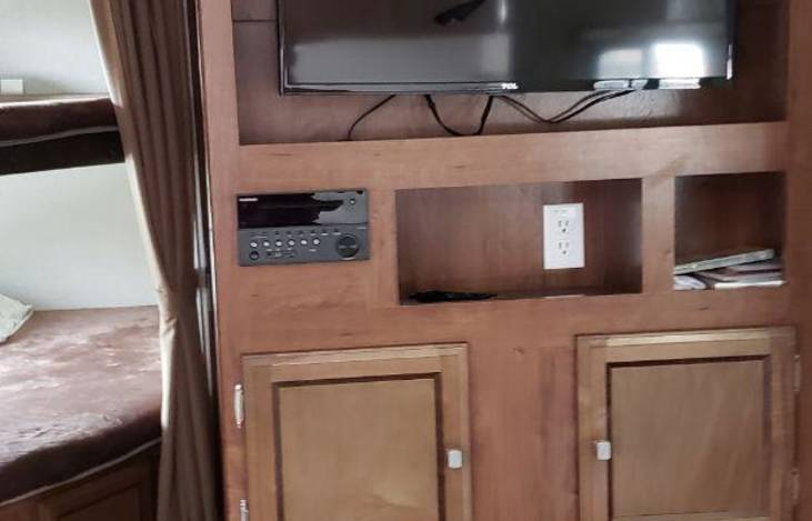 2018 Coachman Freedom Express Ultra Light 275BHS, RV Rental in