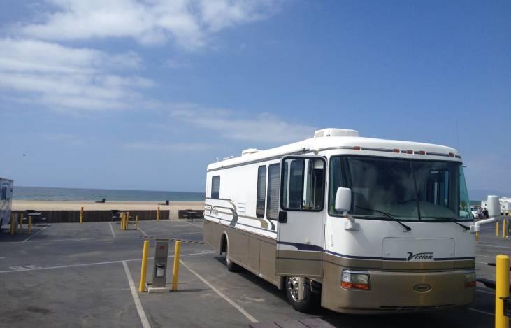 2003 REXHALL VISION, RV Rental in Hesperia, CA | RVshare