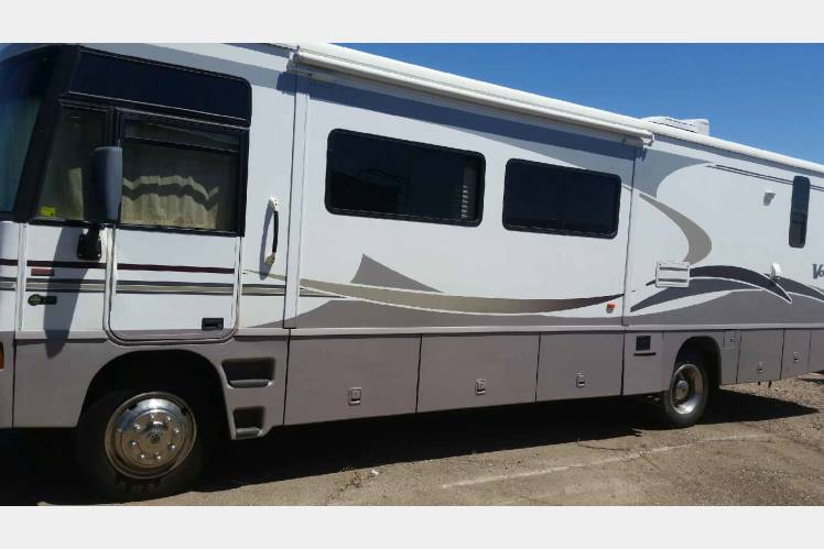 2006 Winnebago Voyager RV Rental In Citrus Park AZ