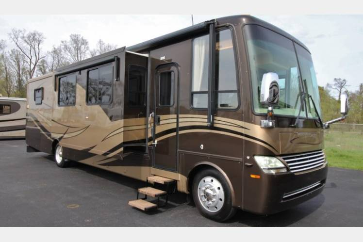 2007 Newmar Mountain Aire RV Rental In Rockford MI
