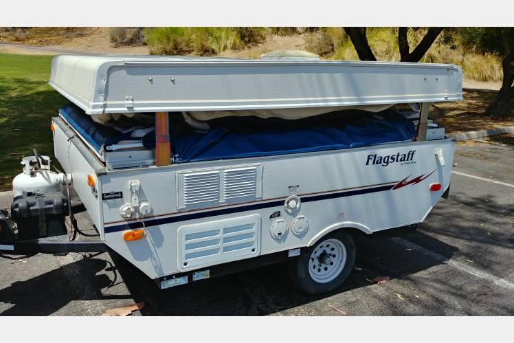 2008 Forest River - Flagstaff - Pop Up Camper / Tent Trailer / Folding