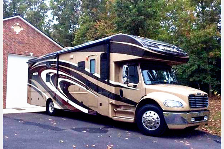 2014 Affordable Luxury All Inclusive Dog Friendly Jayco Seneca Rv