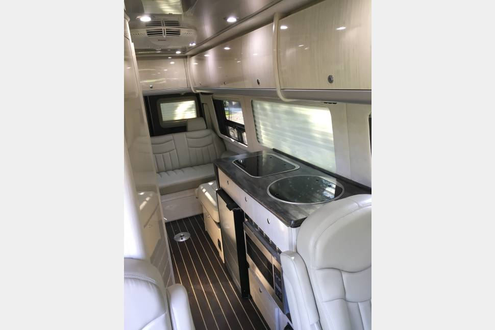 2014 Airstream Interstate - 2014 Airstream Interstate
