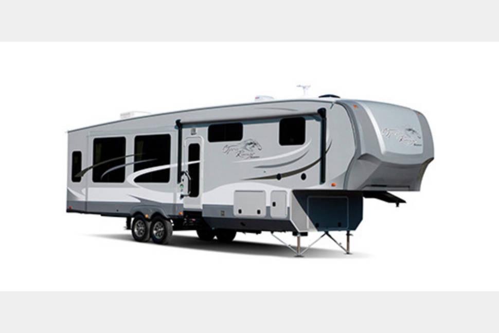 2014 Open Range Roamer 367bhs - Spend Unforgettable Memories!