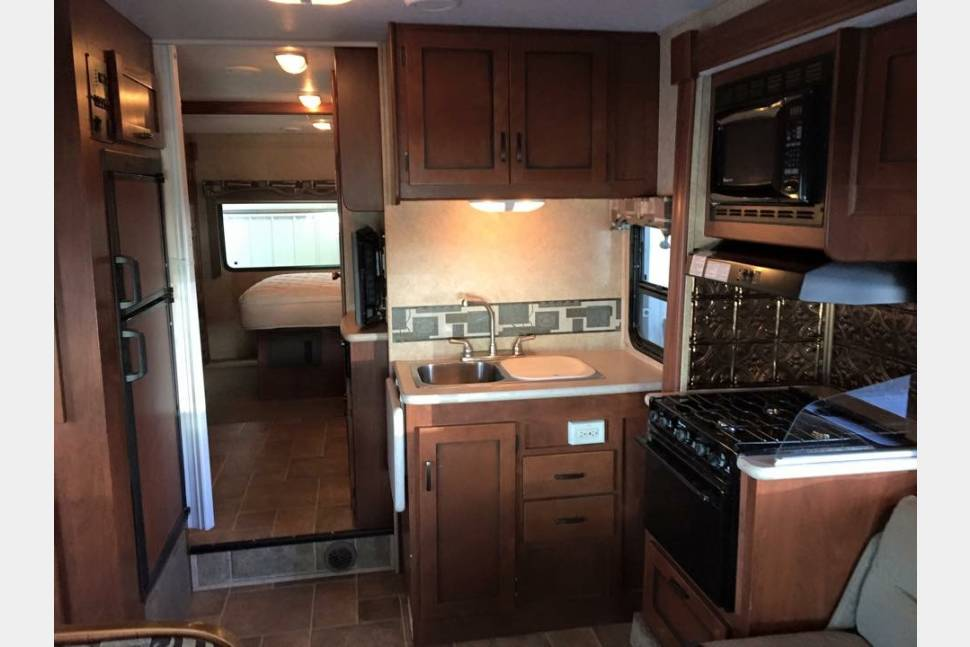 2011 Sunseeker By Forest River 3170DS - 2011 Sunseeker by Forest River 3170DS