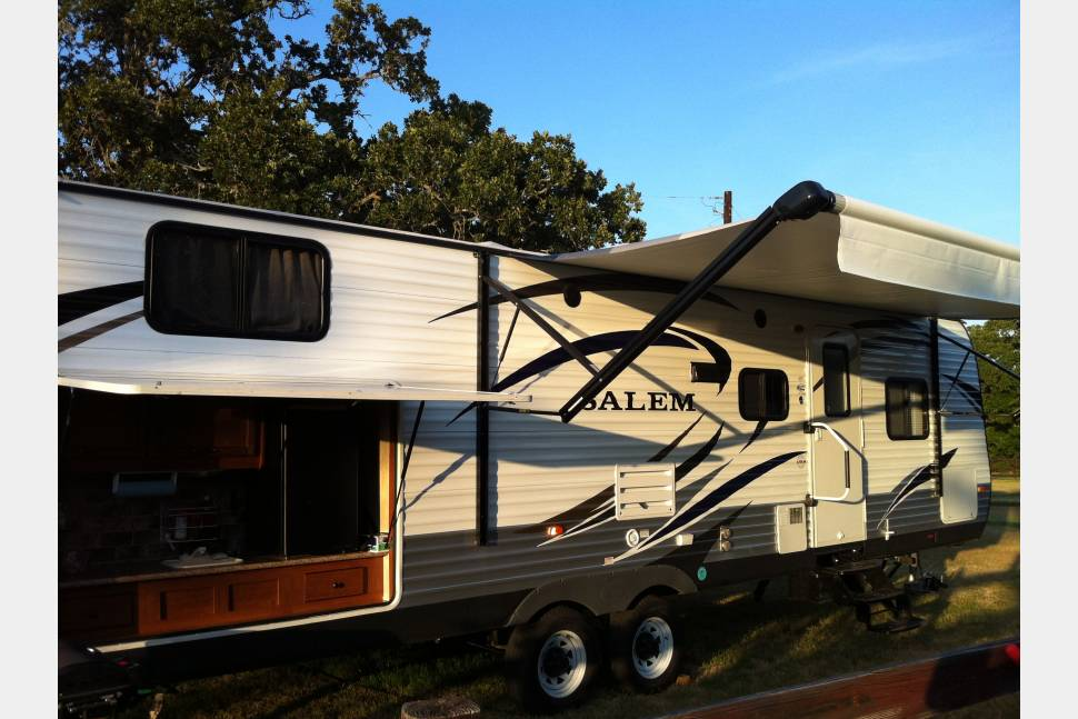 2014 Forest River Salem - Salem I.  The ultimate rv for traveling with kids.