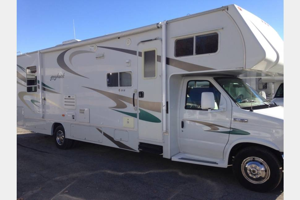 2006 Jayco Greyhawk Ss31 - Very Nice 31 foot Jayco Greyhawk for Your Next Great Adventure! Call today!