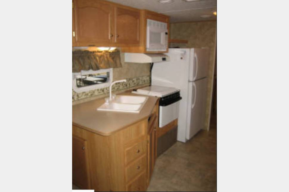 2008 Crossroads RV Zinger Series M-ZT37DB -