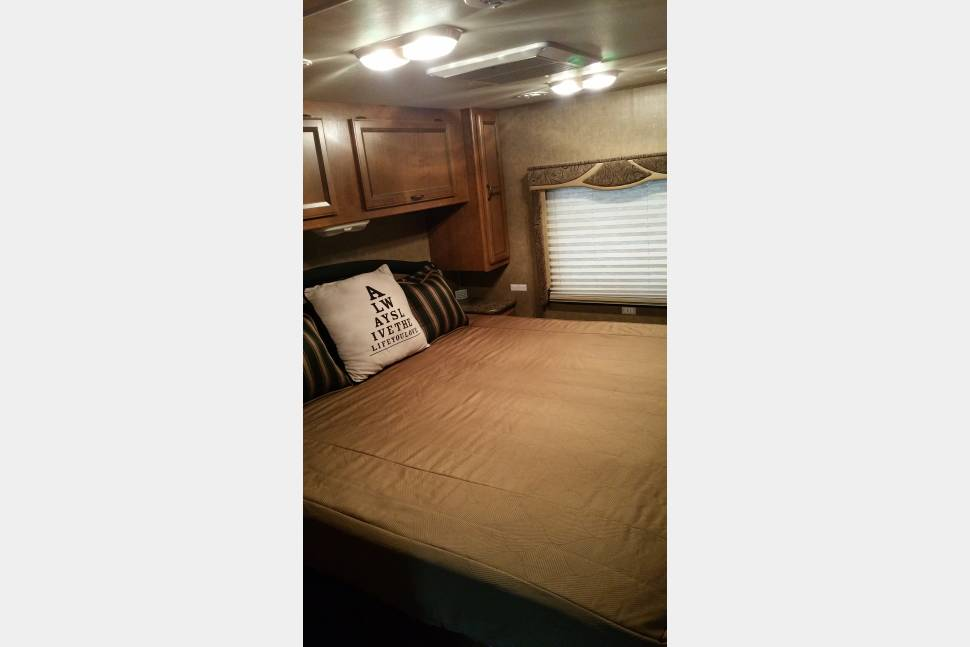 2014 - The perfect RV for large families or family and friends