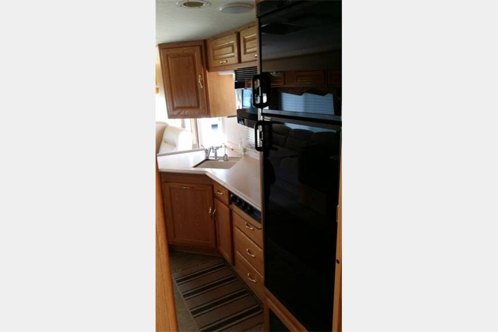 2005 National Sea Breeze - The Perfect RV for your Family Vacation! Travel in Style & Comfort!