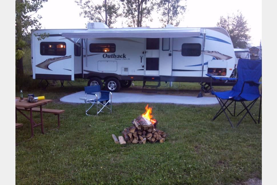 2011 Keystone Outback 295re -