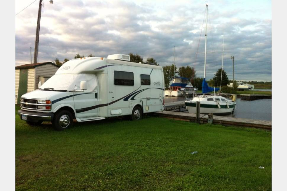 2002 Trail Lite B+ (STATIONARY/NO DRIVING) - B+ RV & Sailboat = Two Homes Away from Home in Duluth, MN