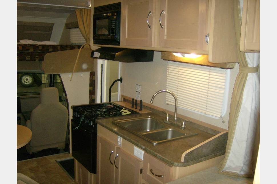2012 Adventure PMH 8 - Best RV´s in Town