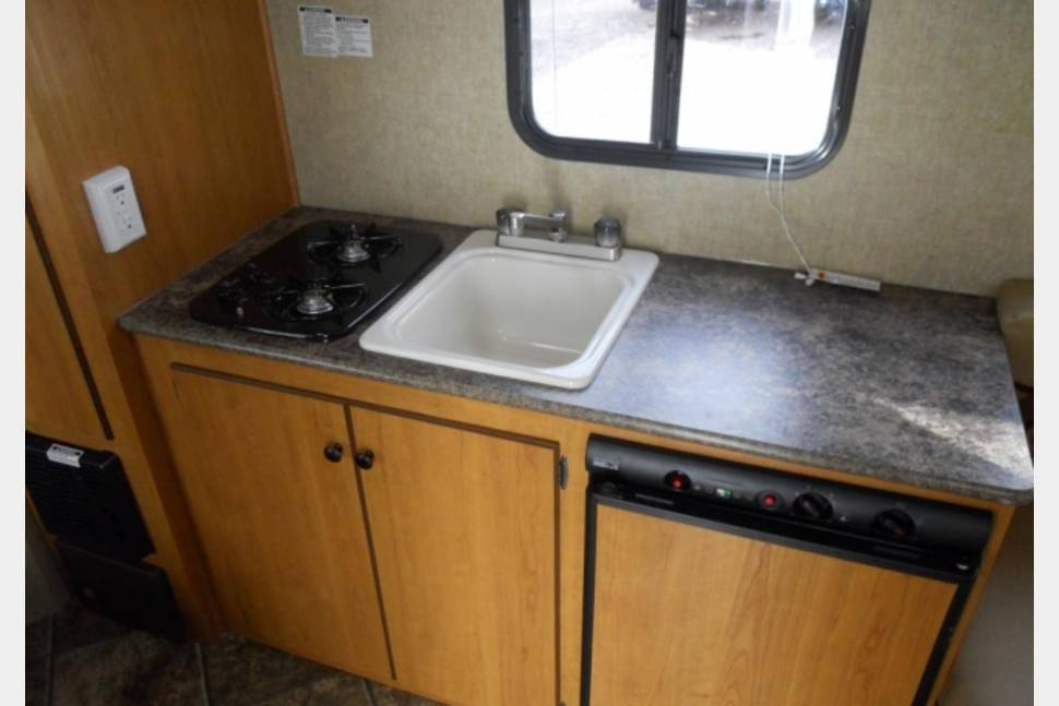2013 Spree Escape - Hybrid ultra light trailer with bunks