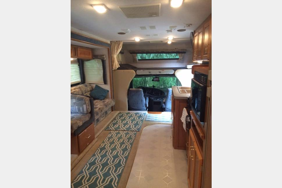 2001 Tioga By Fleetwood - 2001 Tioga, private bedroom, WiFi TV, bike rack (optional); day, week, month and longer rentals available!