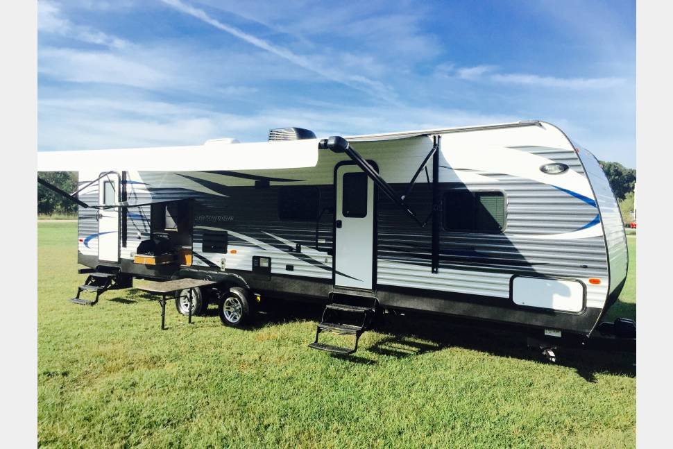 2016 Springdale - The Ultimate Camping or Tailgating RV!