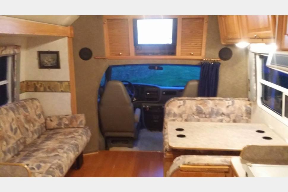 2003 R-Vision Trail Lite 211S - Rent this Awesome Class