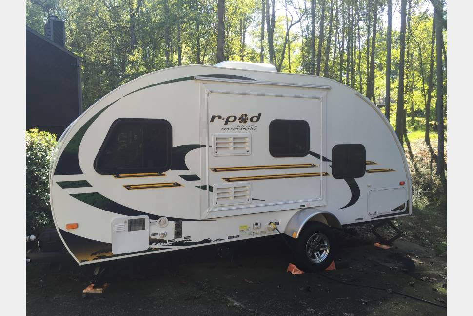 2012 Forest River RPod 182G(3 Night Min) - Rpod 182G Camper with the Garage for tailgaiting