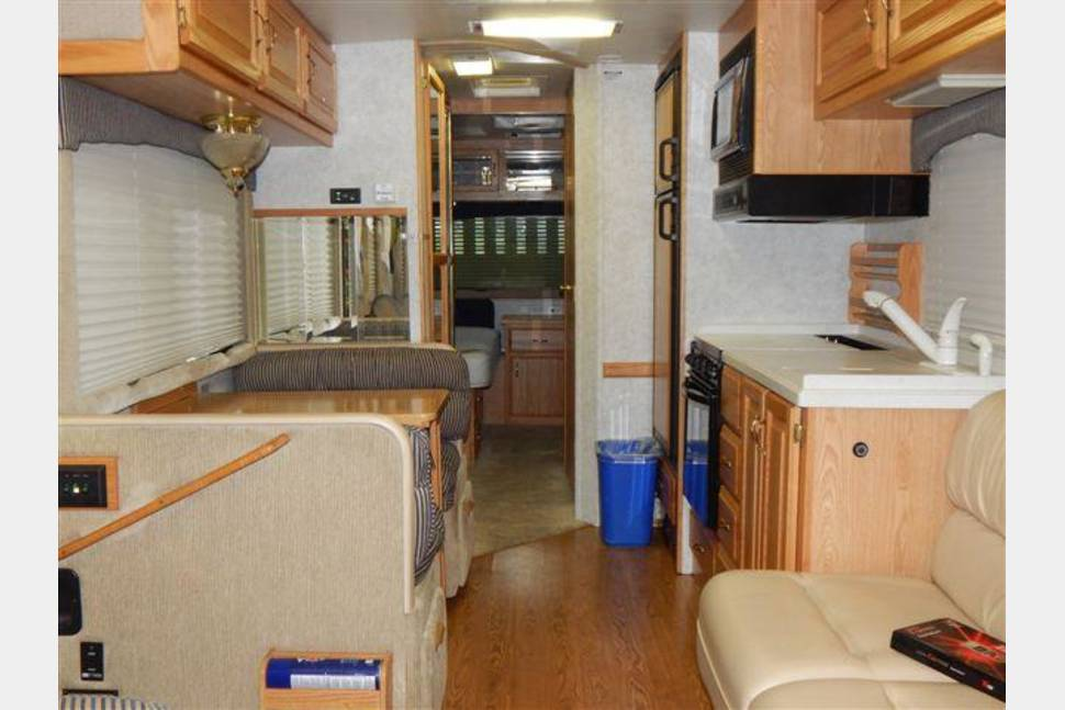 2004 AIR STREAM LAND YACHT - The Duke's Motorhome
