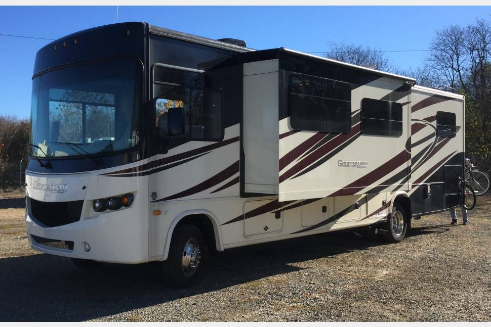 2014 Forest River Georgetown - Glamping - in a 2014 family friendly affordable spacious Class A RV!!
