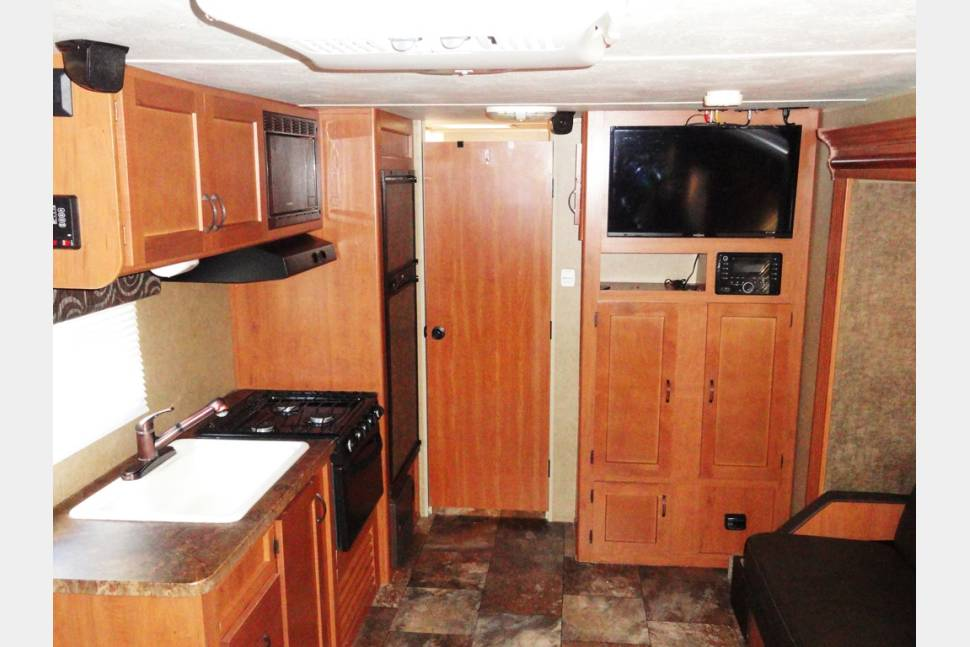 2014 Grey Wolf 18RB - 2014 Grey Wolf Travel Trailer by Forest River