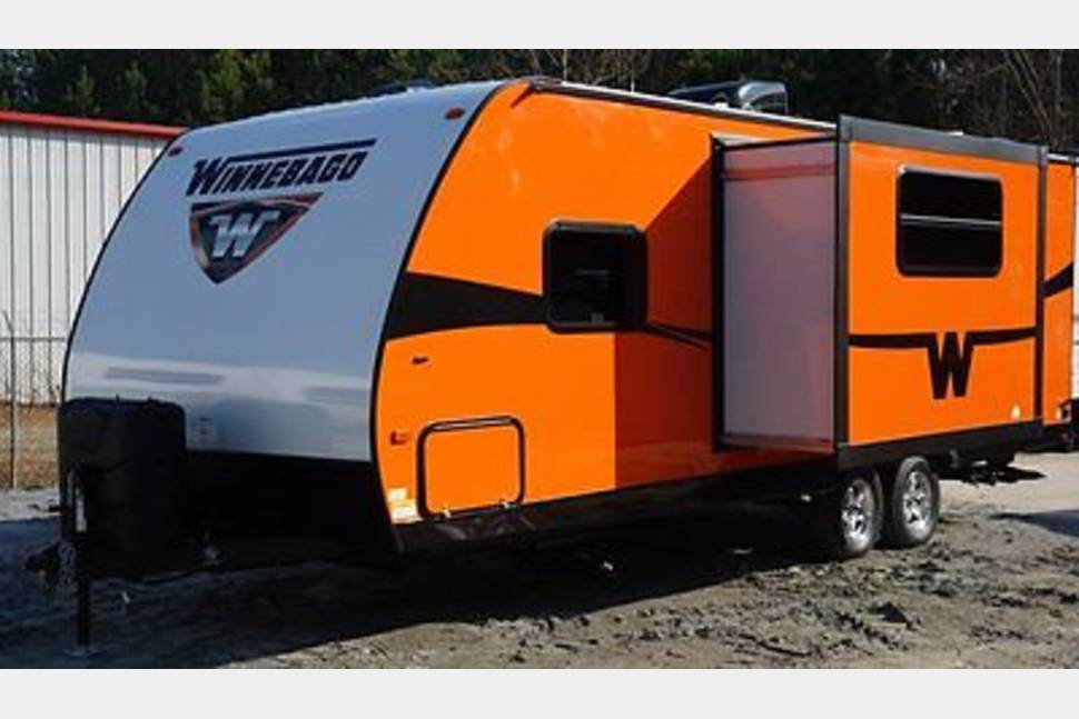 2014 Winnebago Minnie - Be Noticed! Be Bold! Be Orange and Have Fun!