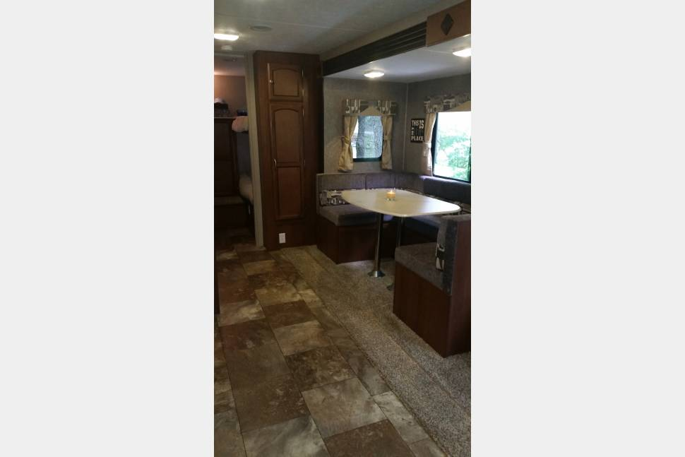 2015 Coachman Freedom Express - The Unwindah