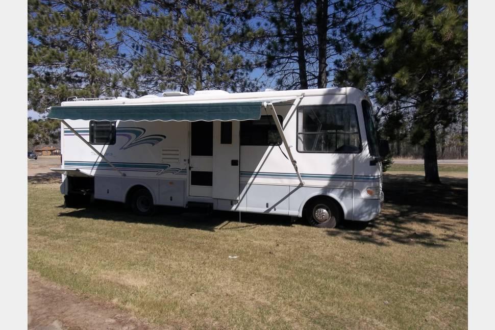 1996 Coachman Santara 28QB - Great Family RV