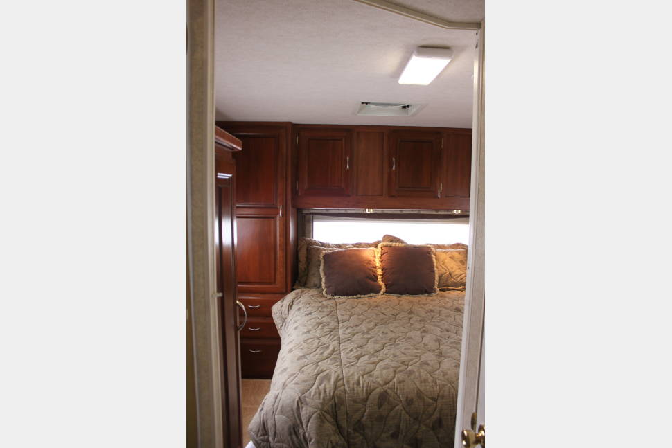 2004 Jayco Mini Granite 31' - The Perfect Home Away from Home!! 2004 Jayco Mini Granite 31' Easy to Handle!