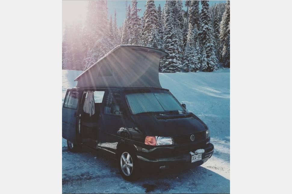 2002 Eurovan Weekender - Volkswagen Eurovan Weekender - Pop Top Campervan with two beds!