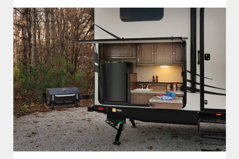 2015 Palomino Solaire Texas Edition - Texas Edition! 2015 Palomino Solaire Ultra Lite - 1/2 ton towable - BUNKS/Spare room!