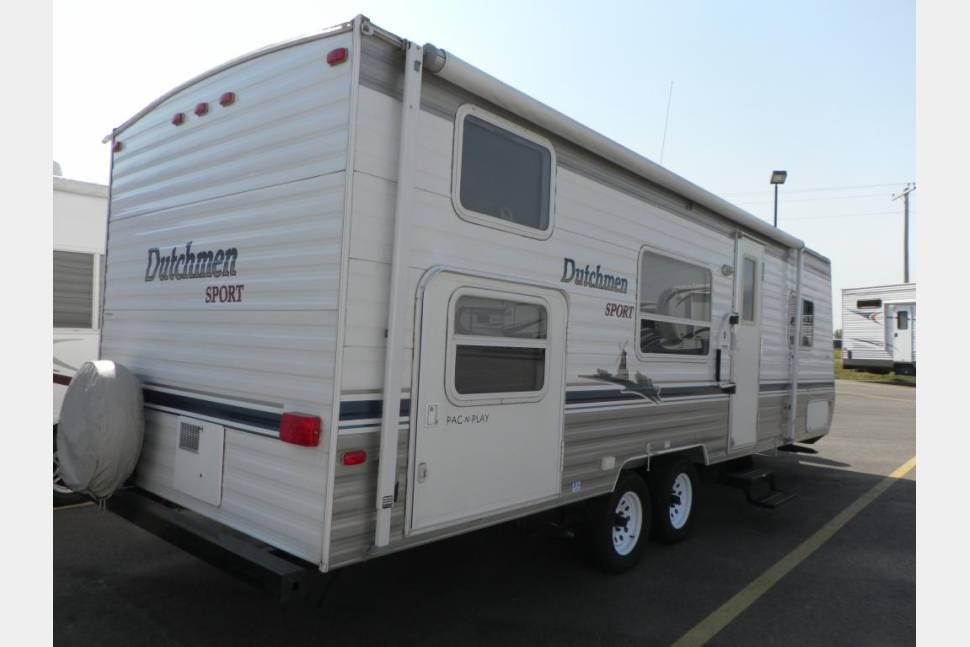 2004 Dutchman Sport M29Q - Enough room for the whole Brady Bunch and Alice, too!