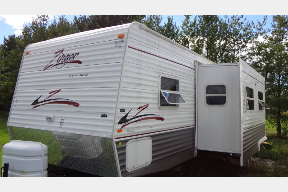 2006 Zinger By Crossroads - A beautiful 2006 Zinger by Crossroads available for rent!