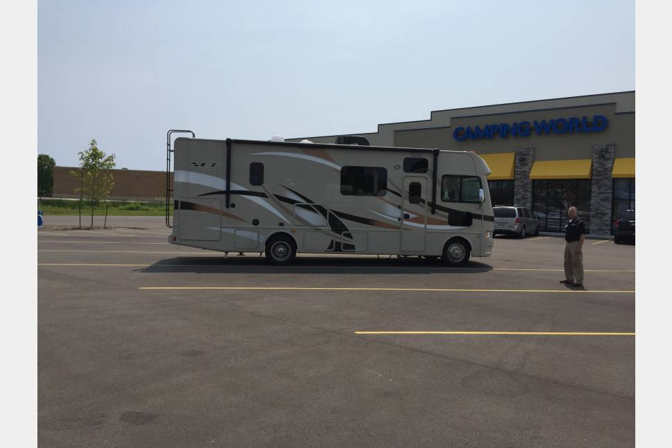 2015 Thor / Ace - Home away from home.