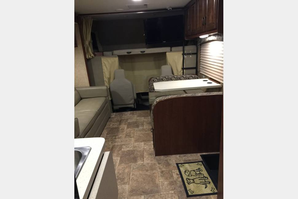 2015 Forest River Sunseeker 3170DS - TipsonRoadTripping