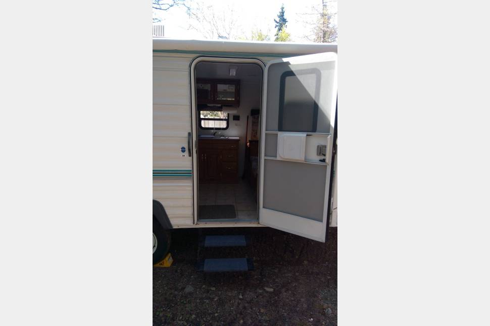2003 Nash N20 - Enjoy Alaska in this great travel trailer