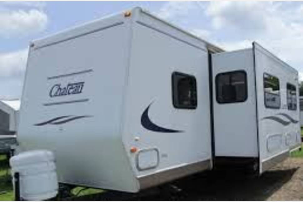 2001 Fleetwood Chateau 33'M With 12' Slideout Delivered! - 33-foot Chateau Travel Trailer w/real Queen bed.  Home away from home delivered to you!